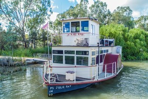 Paddlewheeler Julie Fay B&B