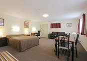 Colonial Motel - Executive Suite