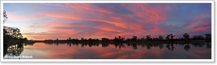 Waikerie sunset from Murray River Queen